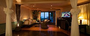 Royal Garden Jacuzzi Villa at Mangosteen Resort & Ayurveda Spa, Phuket